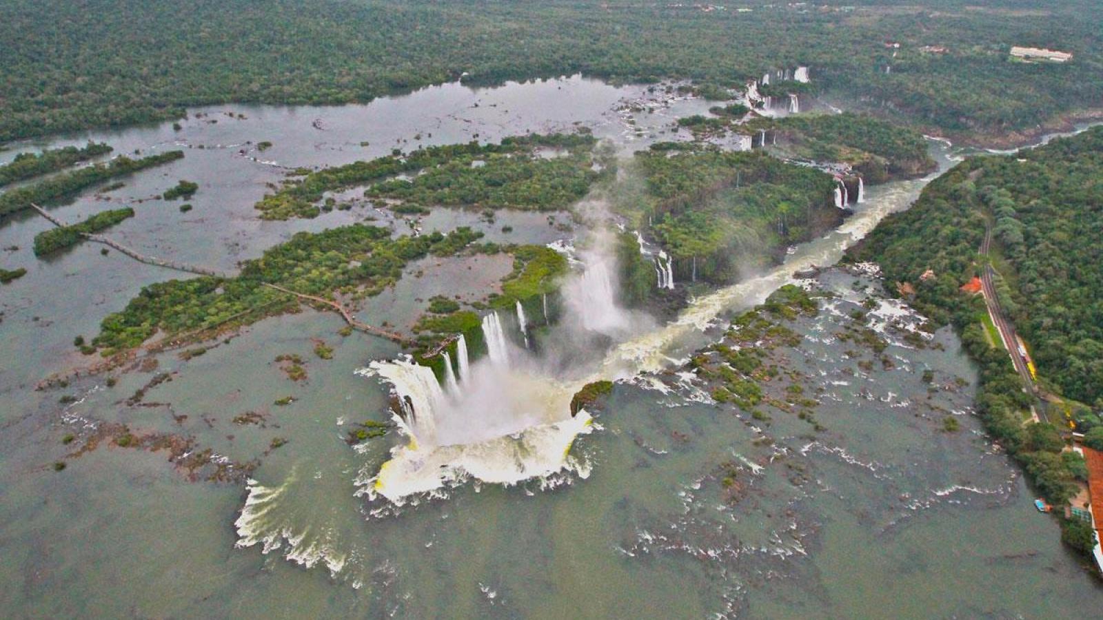 Salto de Sete Quedas: a maravilha natural inundada por um lago artificial 01