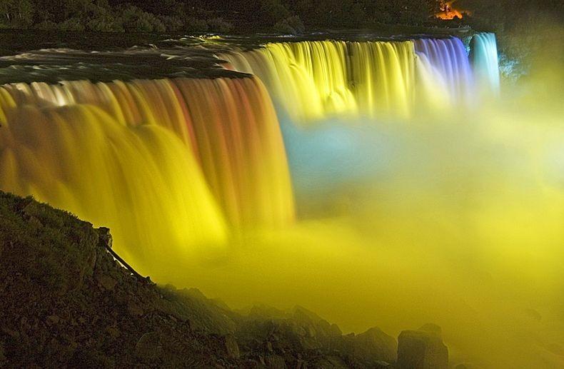 Show de luzes nas Cataratas do Niágara 18