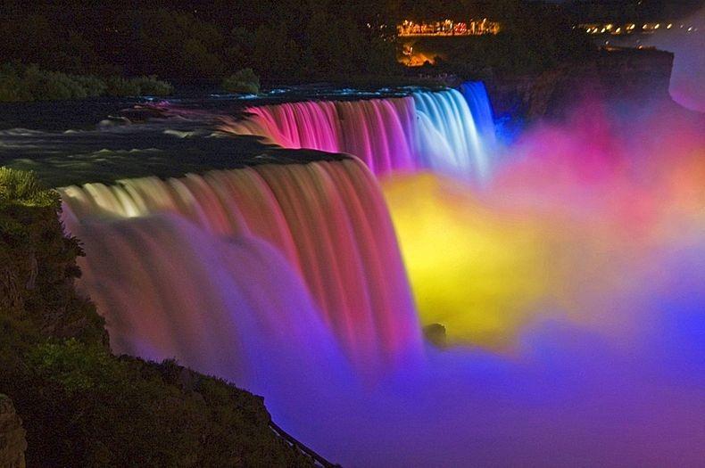 Show de luzes nas Cataratas do Niágara 19