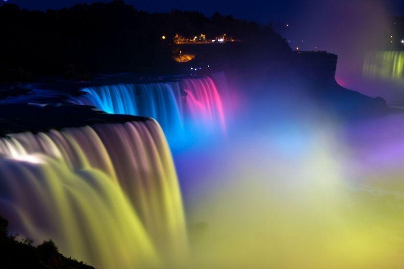 Show de luzes nas Cataratas do Niágara 20