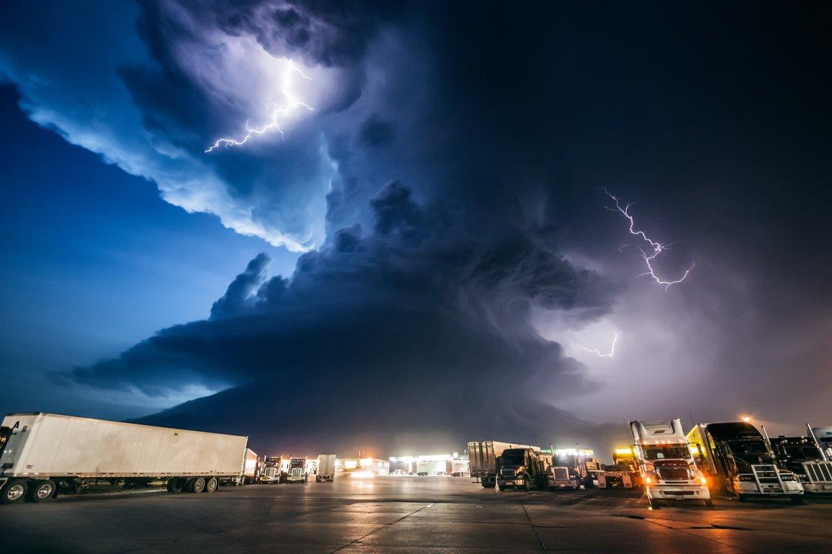 Incríveis fotos de caçadores de tempestades 09