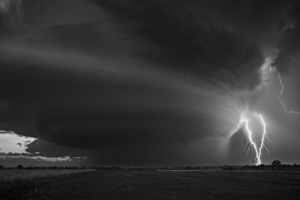 As sinistramente incríveis fotos de tempestades em preto e branco de Mitch Dobrowner 02