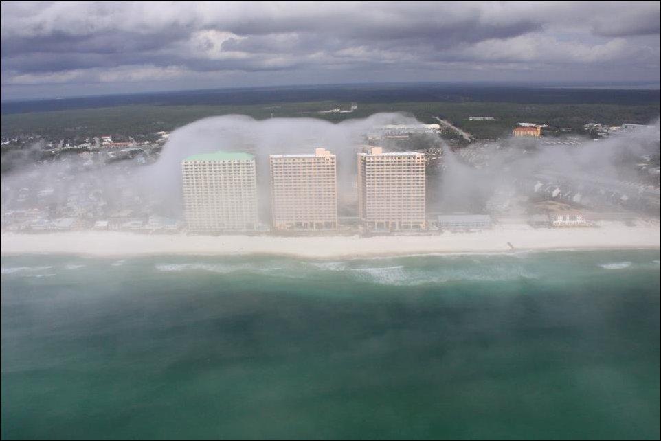Impressionante tsunami de nuvens surpreende a costa da Flórida 01