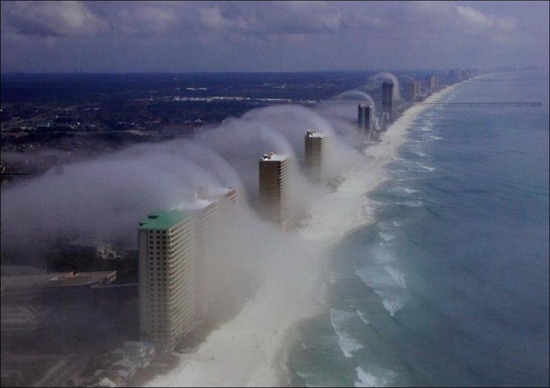 Impressionante tsunami de nuvens surpreende a costa da Flórida 02