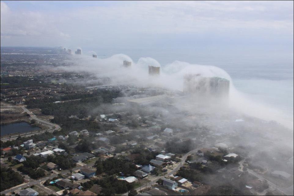 Impressionante tsunami de nuvens surpreende a costa da Flórida 03
