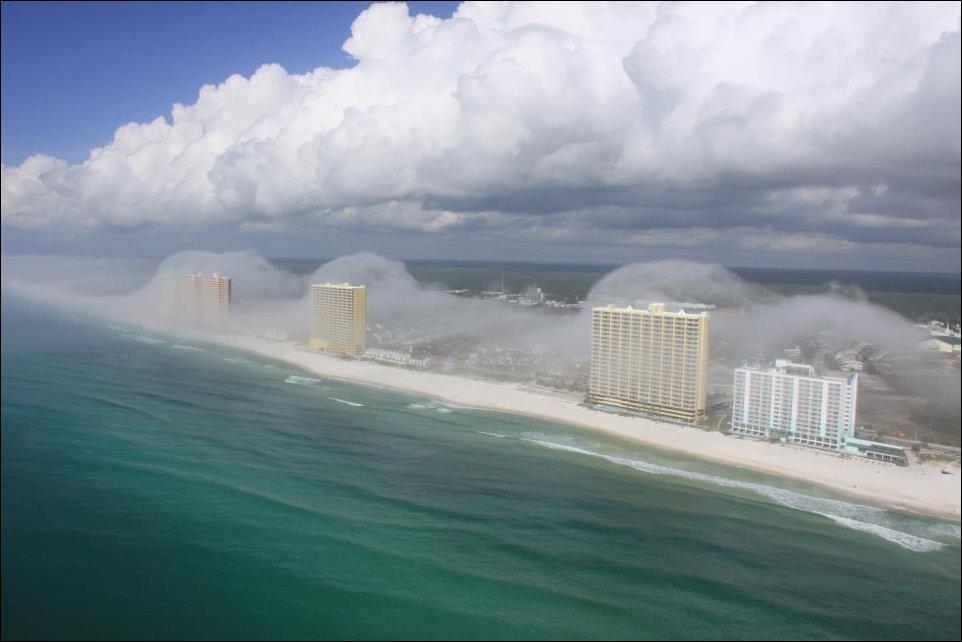 Impressionante tsunami de nuvens surpreende a costa da Flórida 05