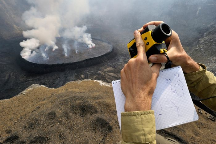 A cratera do vulcão Nyiragongo 03