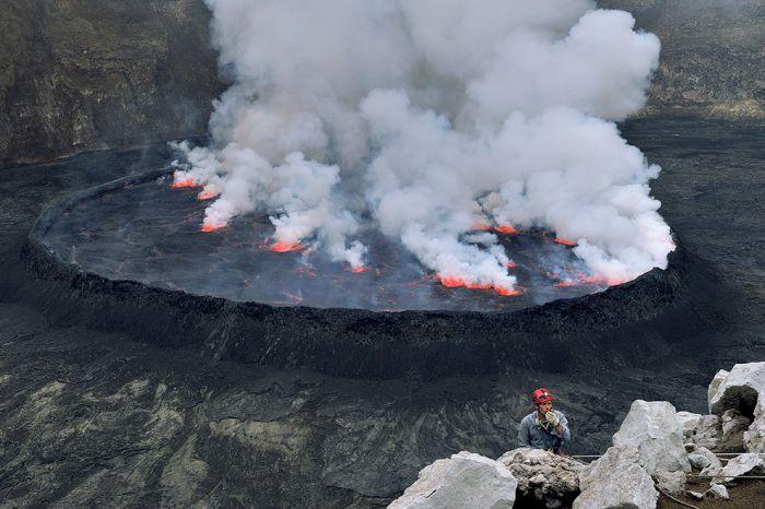 A cratera do vulcão Nyiragongo 08