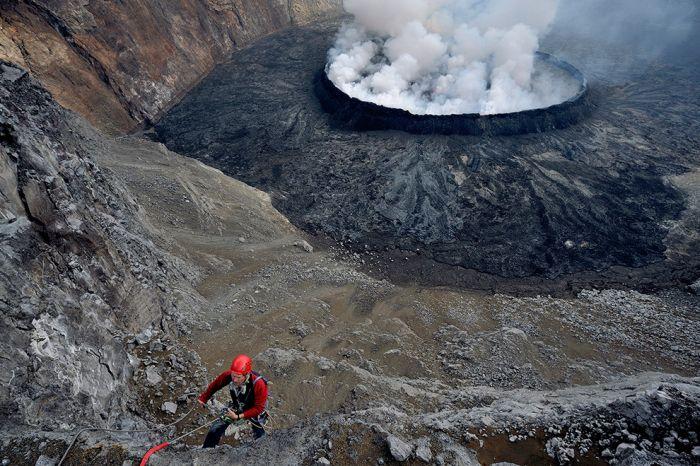 A cratera do vulcão Nyiragongo 09