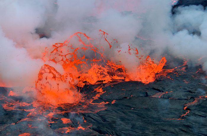 A cratera do vulcão Nyiragongo 11