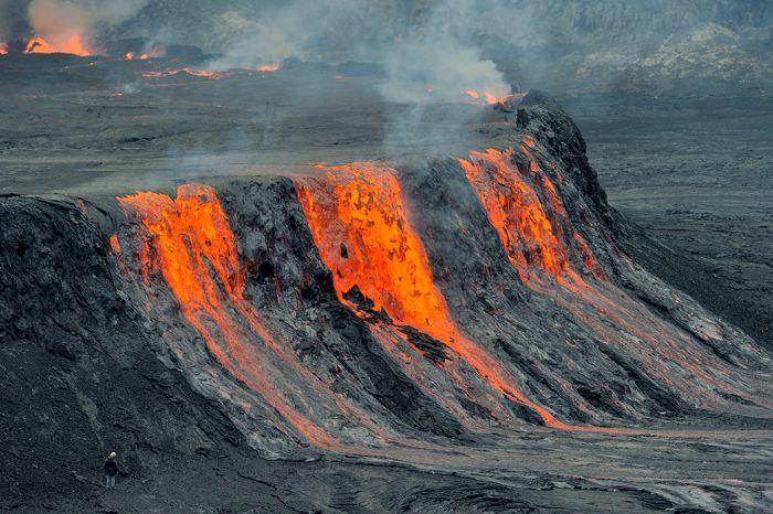 A cratera do vulcão Nyiragongo 13