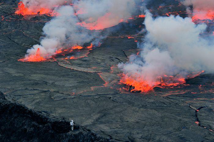 A cratera do vulcão Nyiragongo 14