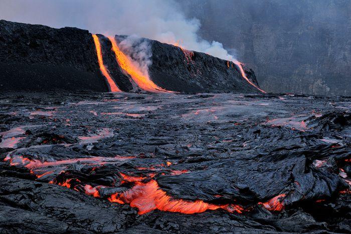 A cratera do vulcão Nyiragongo 19