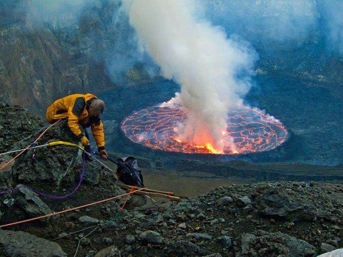 A cratera do vulcão Nyiragongo 28
