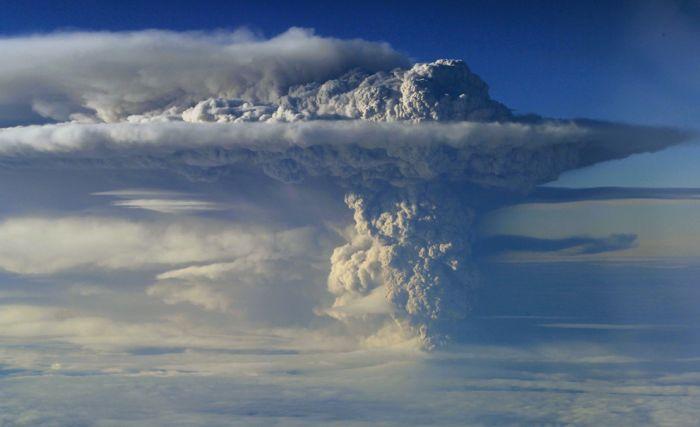 A erupção do vulcão chileno: o Inferno na Terra 01