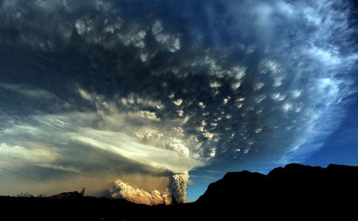 A erupção do vulcão chileno: o Inferno na Terra 08