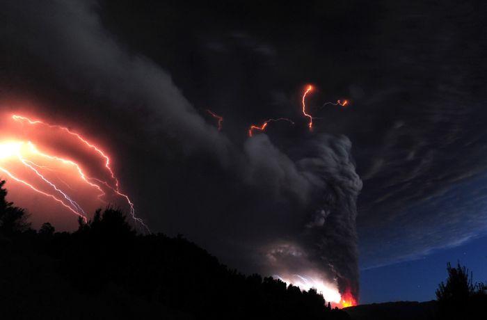 A erupção do vulcão chileno: o Inferno na Terra 14