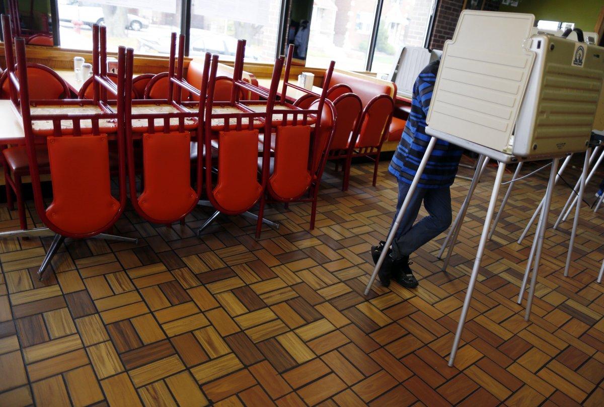 24 dos lugares mais estranhos onde os americanos votaram no dia de eleição 11