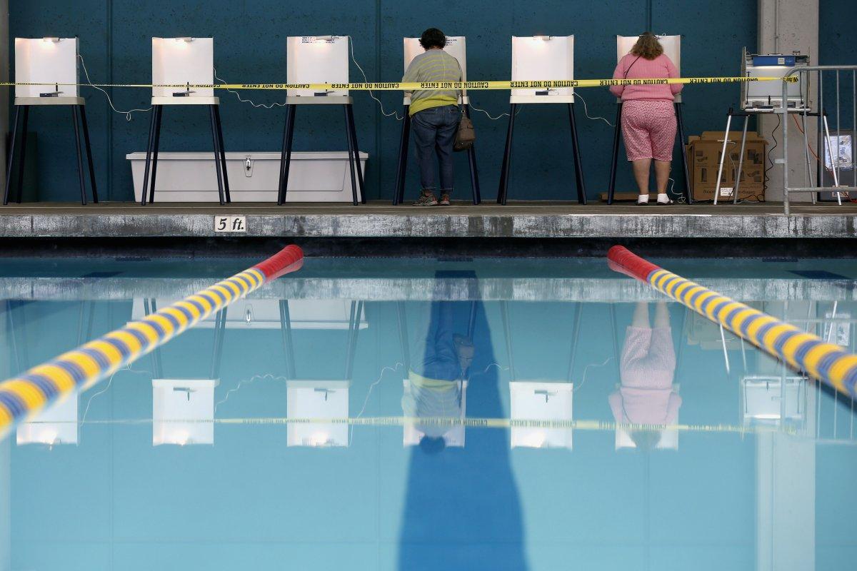 24 dos lugares mais estranhos onde os americanos votaram no dia de eleição 16