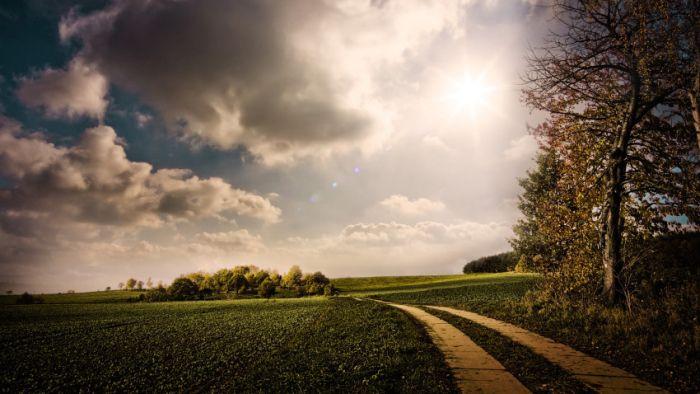Belas paisagens dedicadas a mulher em seu dia 28