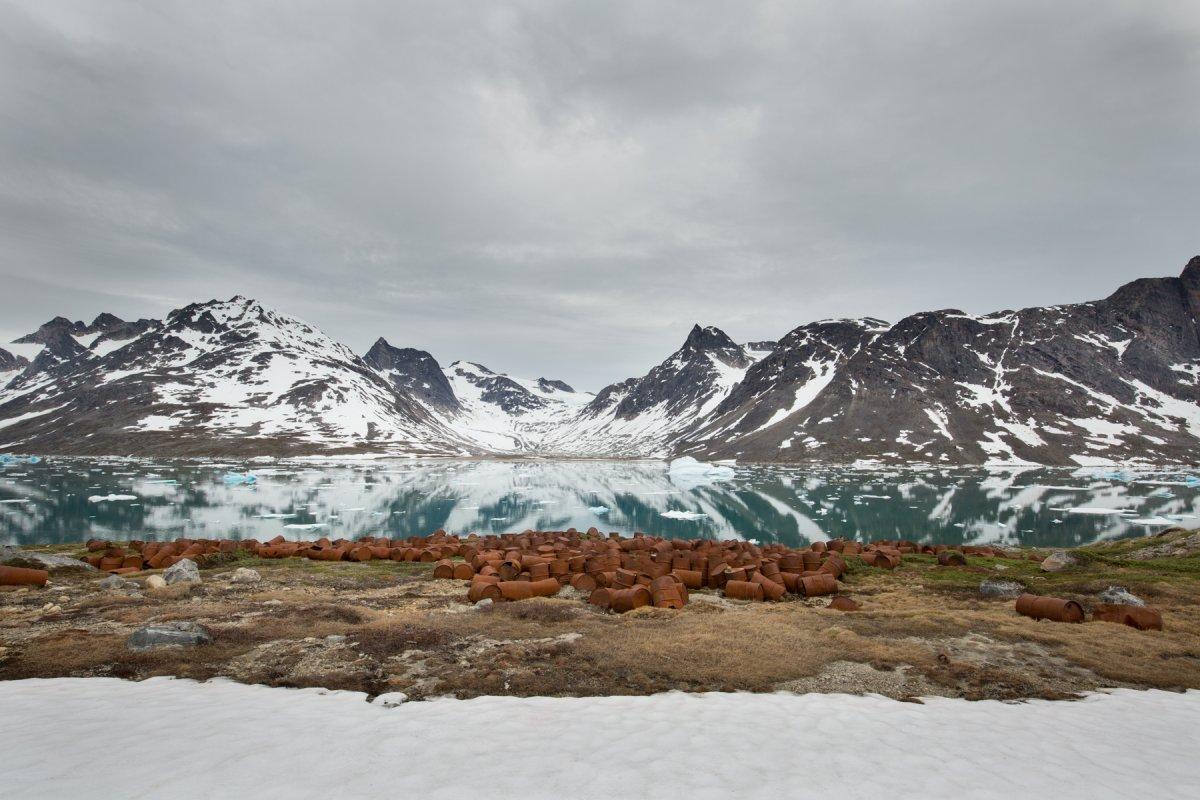 Fotos incrivelmente belas de lixo enferrujado da Segunda Guerra Mundial na Gronelândia 02