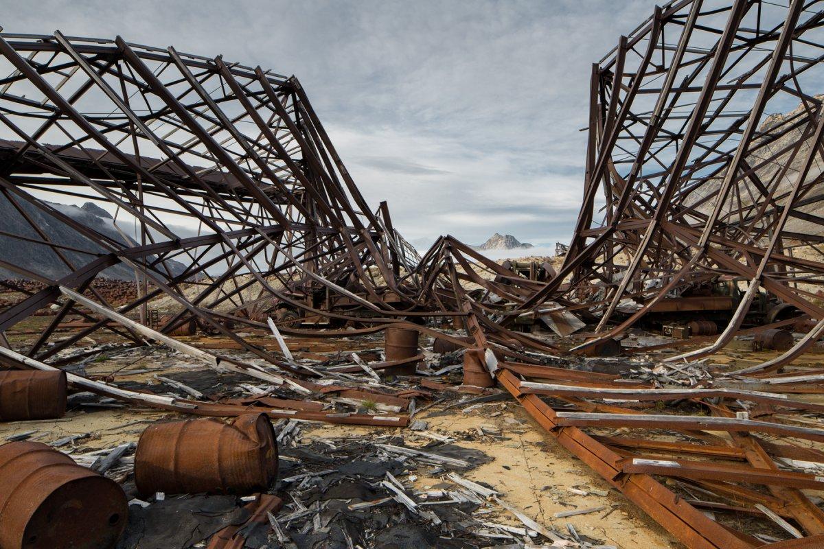 Fotos incrivelmente belas de lixo enferrujado da Segunda Guerra Mundial na Gronelândia 08