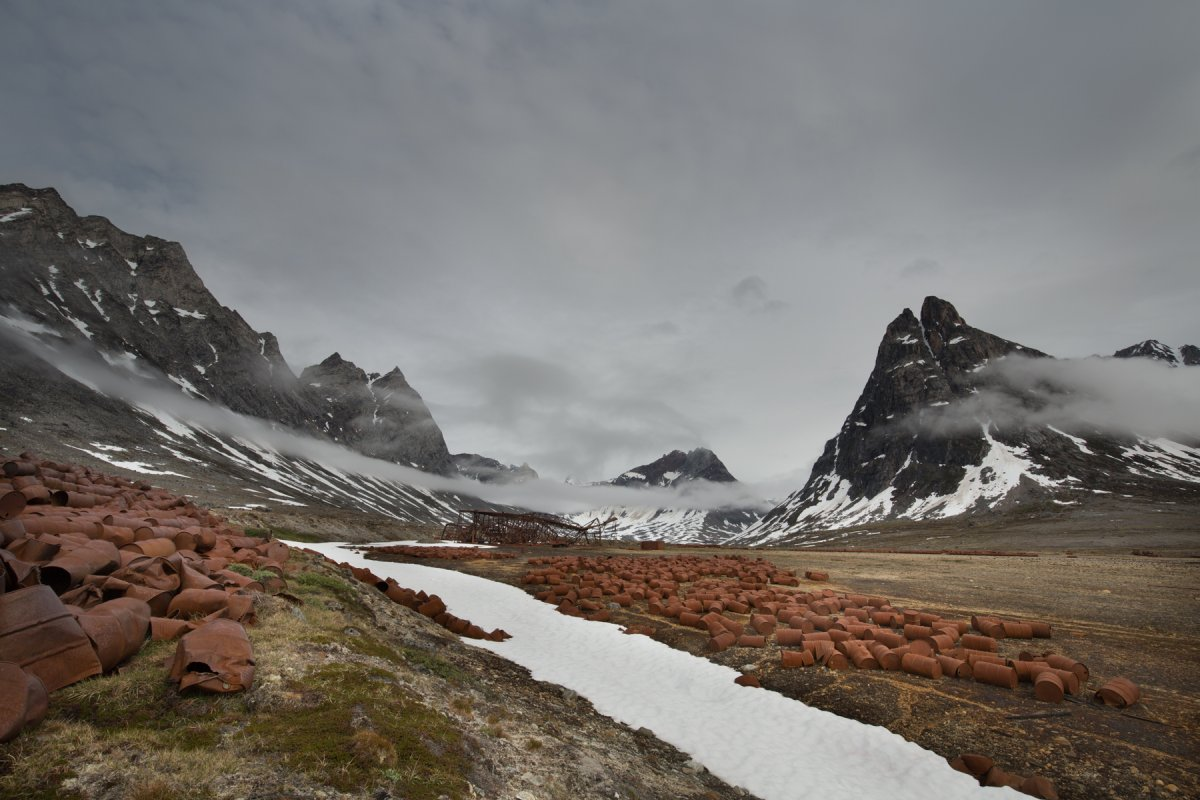 Fotos incrivelmente belas de lixo enferrujado da Segunda Guerra Mundial na Gronelândia 14