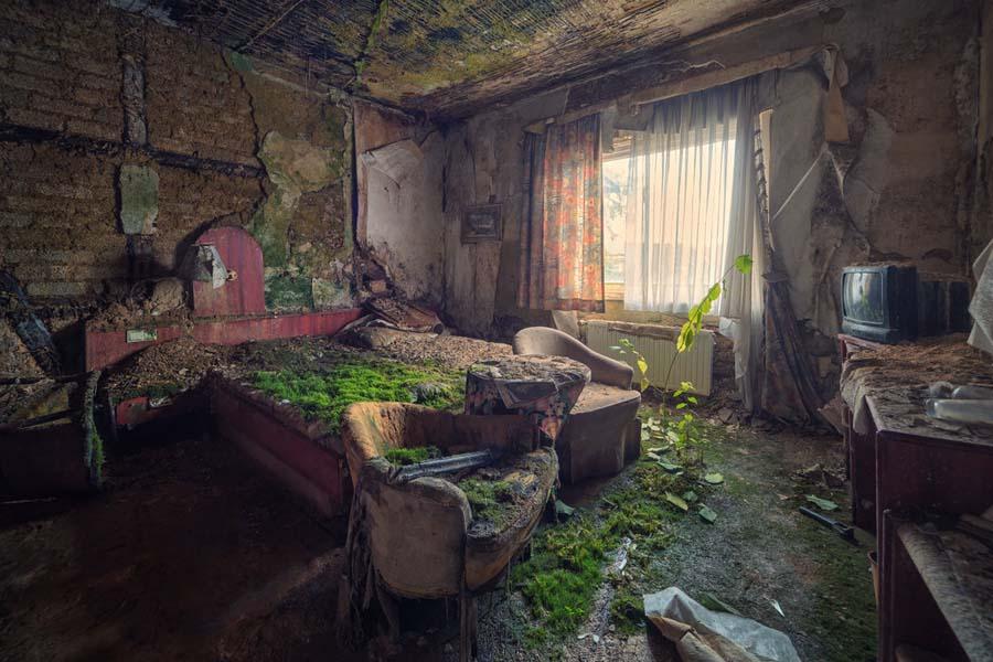 A beleza assombrosa de prédios abandonados registrados por um fotógrafo 01