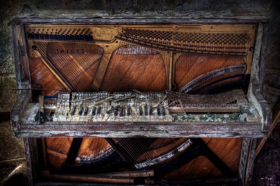 A beleza assombrosa de prédios abandonados registrados por um fotógrafo 03