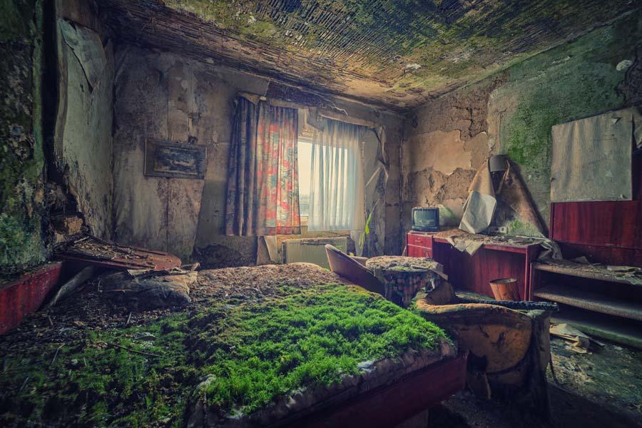A beleza assombrosa de prédios abandonados registrados por um fotógrafo 09