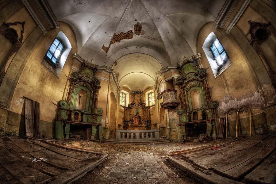 Fotógrafo capta a beleza do assombro de edifícios abandonados 10