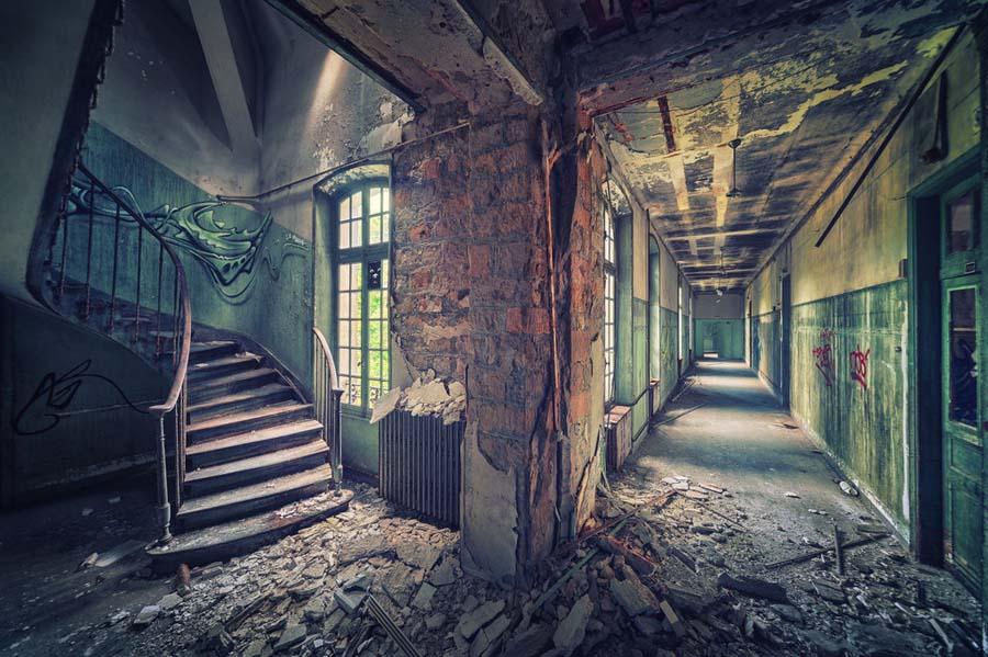 A beleza assombrosa de prédios abandonados registrados por um fotógrafo 17