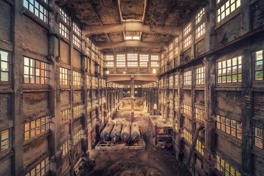A beleza assombrosa de prédios abandonados registrados por um fotógrafo 19