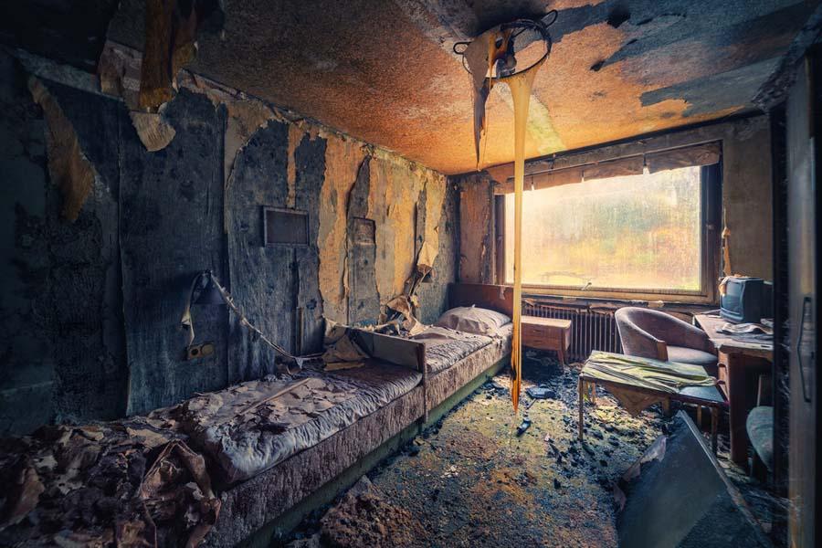 Fotógrafo capta a beleza do assombro de edifícios abandonados 22