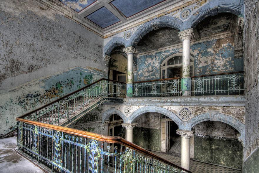 38 lugares abandonados inesquecíveis que, por alguma razão, não vai conseguir parar de olhar 36