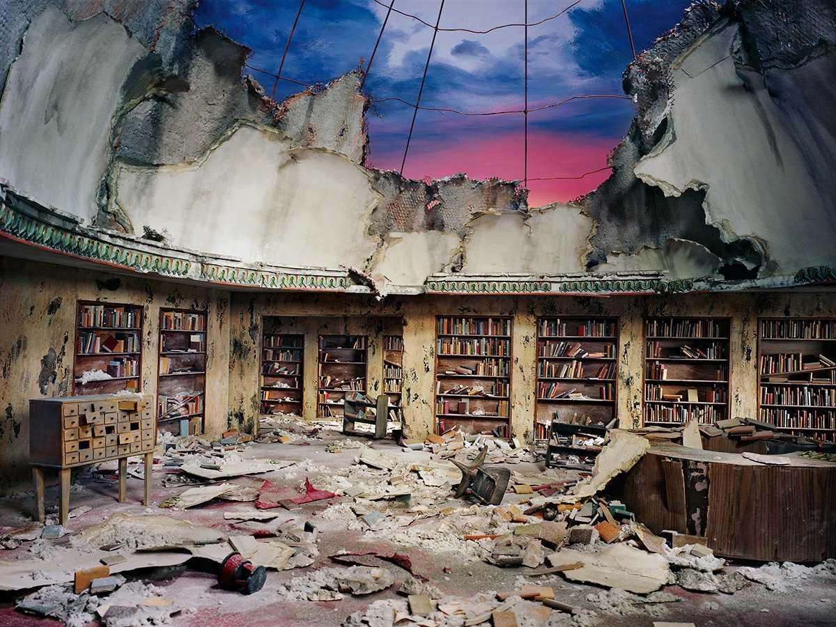 Fotos mostram lugares abandonados em um mundo pós-apocalíptico que em realidade são dioramas 05
