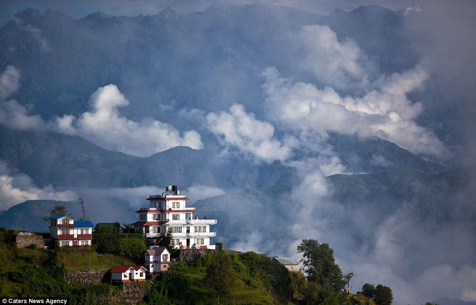 Nagarko: Um povoado sobre as nuvens no Himalaia 01
