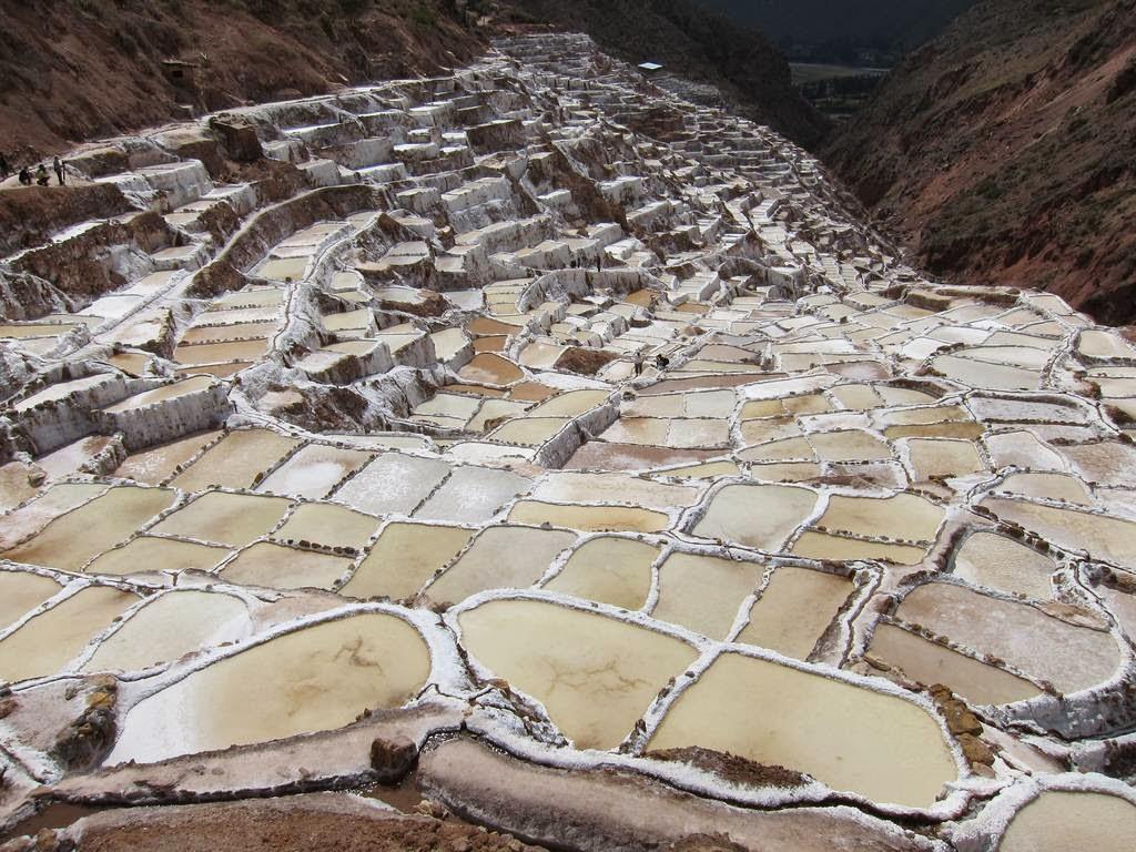 As belas Salinas de Maras encravadas nos penhascos peruanos 09