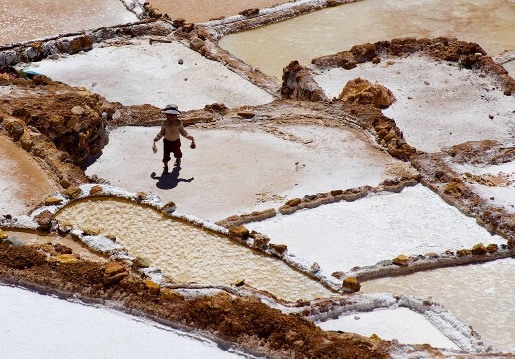 As belas Salinas de Maras encravadas nos penhascos peruanos 14