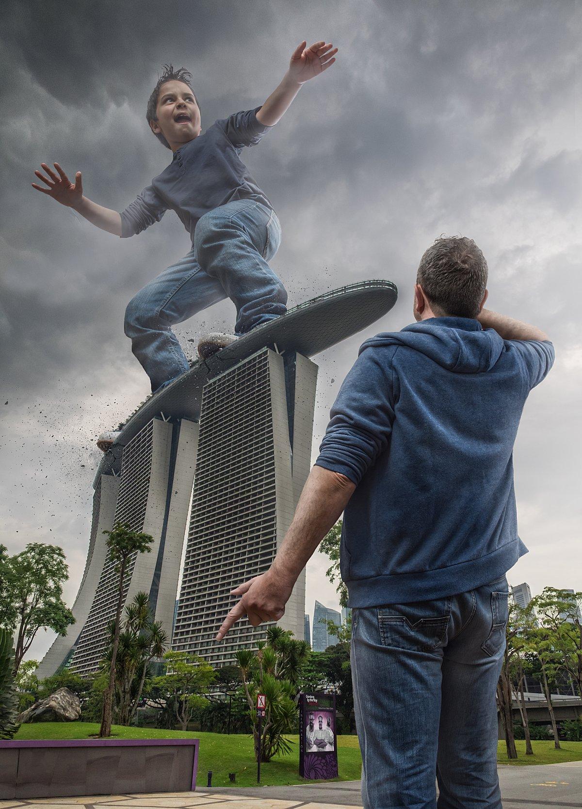 Pai fotochopa filho em marcos famosos 11
