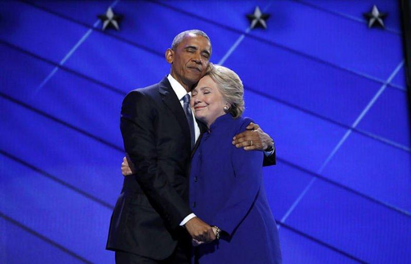 O abraço entre Obama e Hillary Clinton transformou-se em uma lendária batalha de Photoshop 01