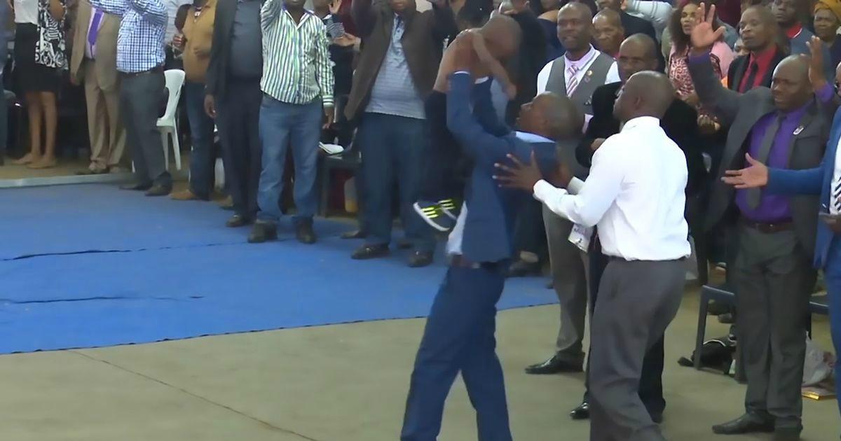 Pastor afirma ter ressuscitado um menino que os médicos haviam declarado morto