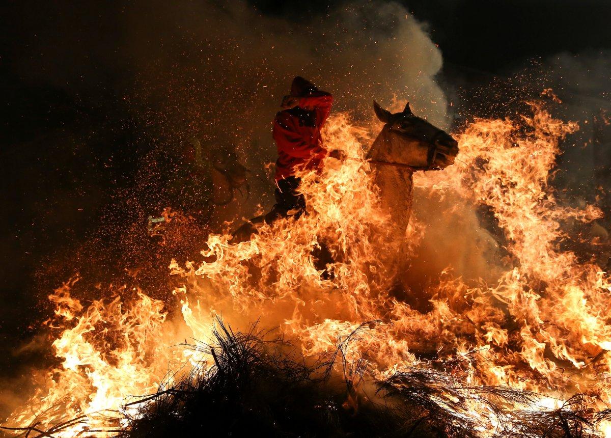 O ano em fotos impressionantes registradas pela premiada equipe de fotografia da Reuters em 2017 04