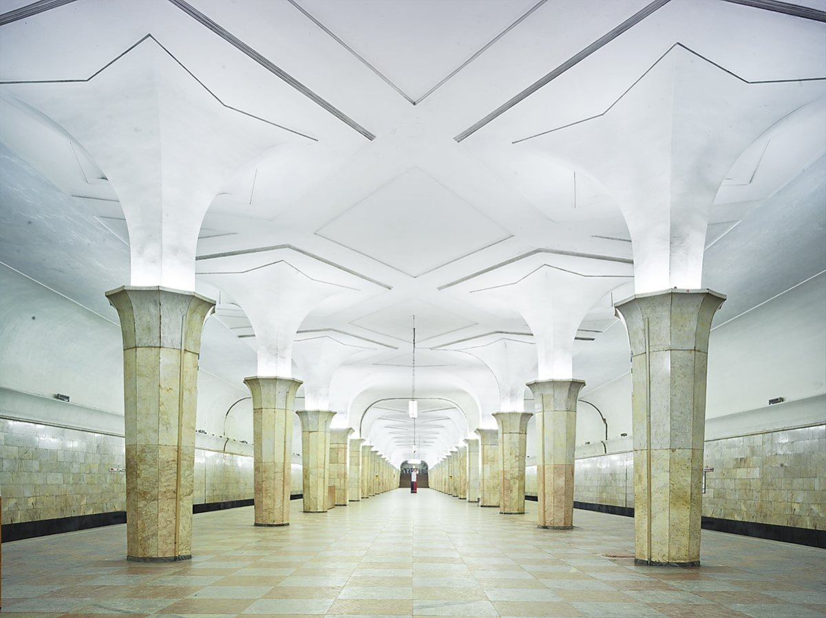 16 fotos de belas estações de metro de Moscou, construídas como propaganda durante a época de Stalin 02