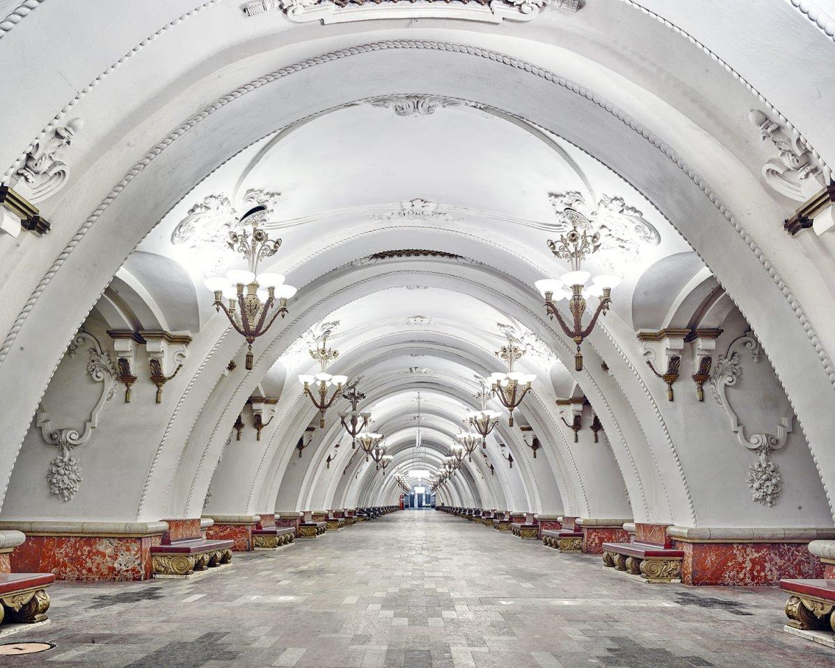 16 fotos de belas esta��es de metro de Moscou, constru�das como propaganda durante a �poca de Stalin 06