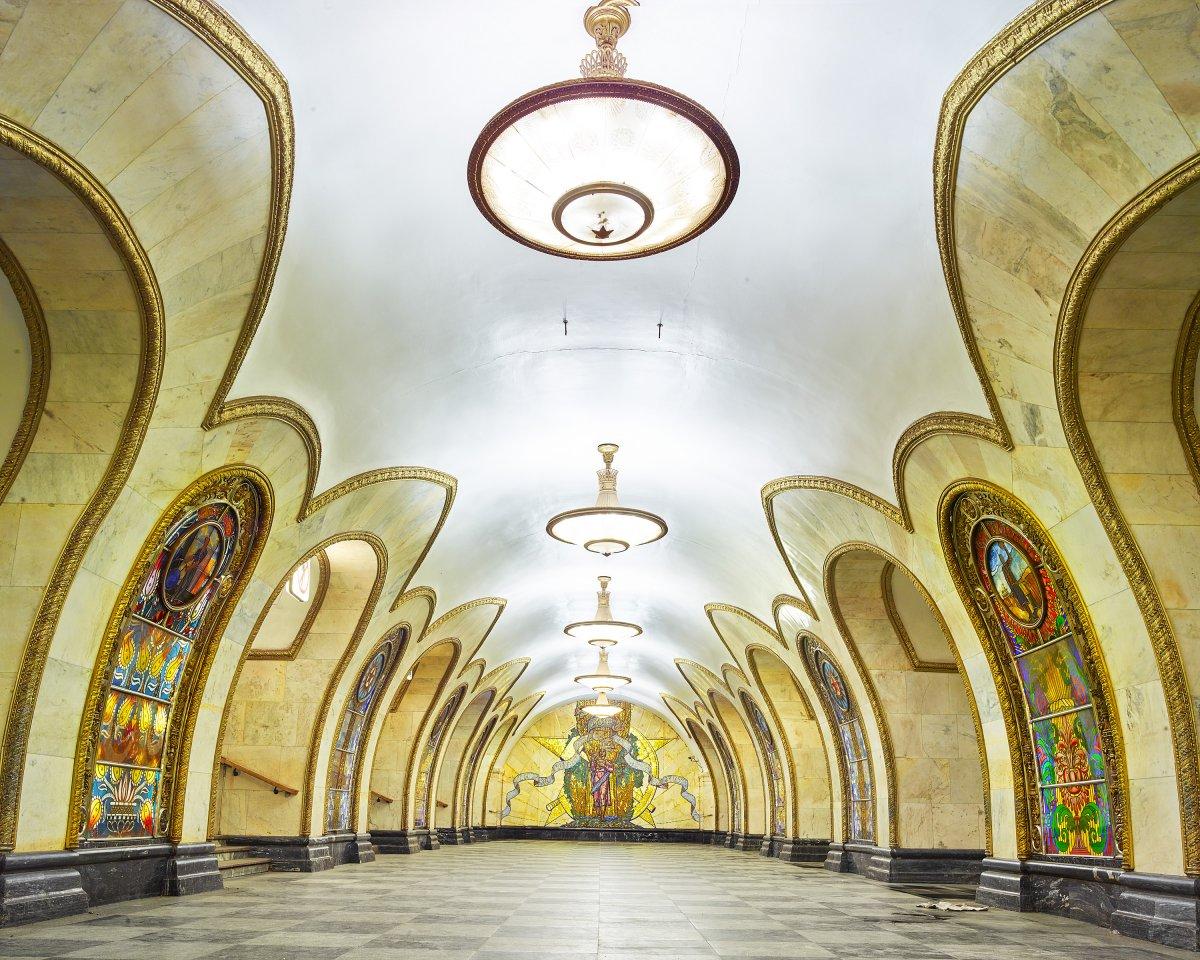 16 fotos de belas esta��es de metro de Moscou, constru�das como propaganda durante a �poca de Stalin 14