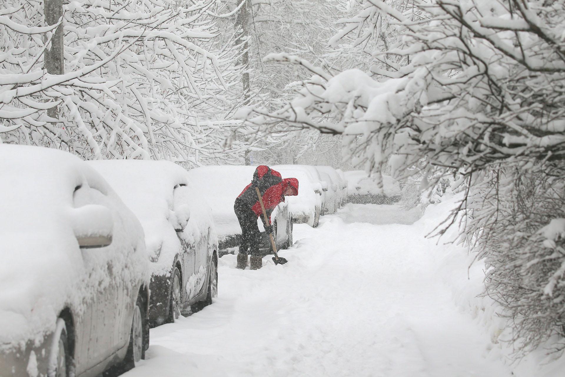As incríveis imagens da «nevasca do século» em Moscou 09