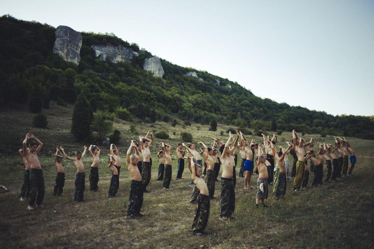 Um acampamento que treina garotos de 7 anos para serem defensores da pátria russa 03