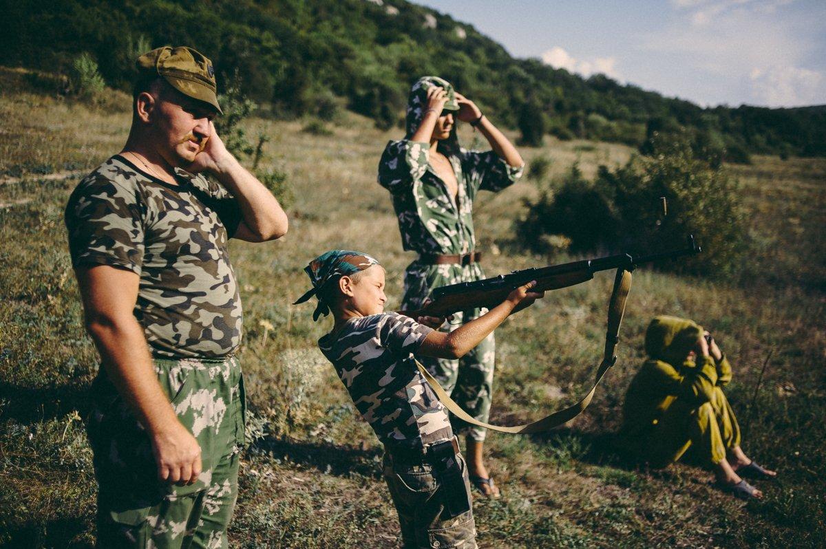Um acampamento que treina garotos de 7 anos para serem defensores da pátria russa 04