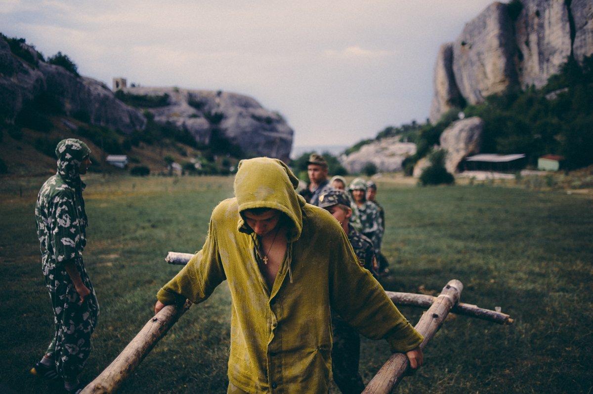 Um acampamento que treina garotos de 7 anos para serem defensores da pátria russa 06